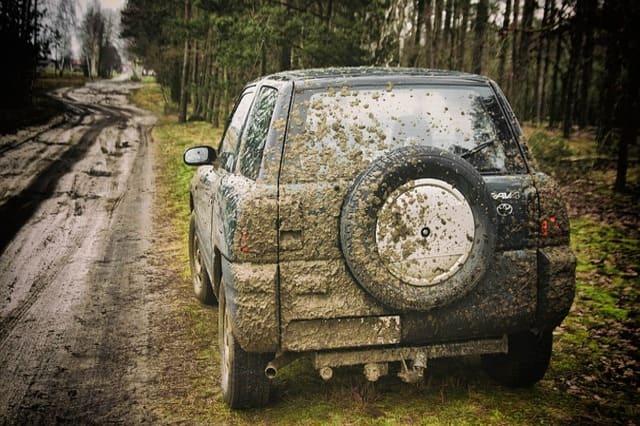 Preparación de su automóvil para un largo viaje de campamento familiar